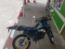 Vendo moto Yamaha dt-125