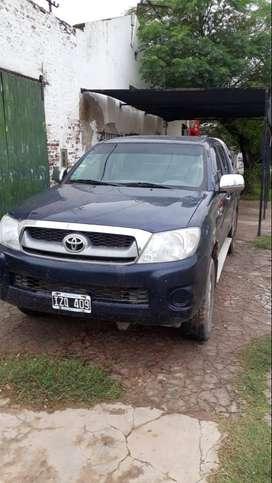 Camioneta Toyota D/C, 2.5 DX
