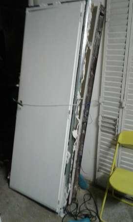 Puerta Placa Oblak de 73 cm muy buena