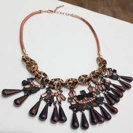 Collar Isadora sin Uso