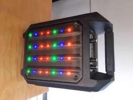 VENDO: PARLANTE DINAX SOUND GET UP CON MMICRÓFONO(Bluetooh-RADIO,luces,batería)ICRÓFONO(Bluetooh-RADIO,luces,batería)