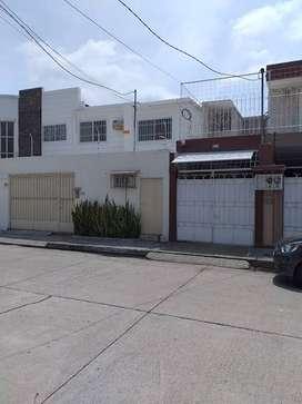 Departamento en Venta en Urdesa Central, 3 Hab, 2 Bañ, 1 Parqueo.