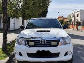 Toyota hilux 4x4 SR