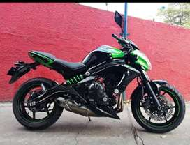 Se vende moto kawasaki ER 6N 650