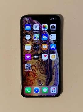Vendo Iphone Xs Max de 64gb semi nuevo