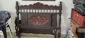 Cama doble en madera pura con espaldar+tablas