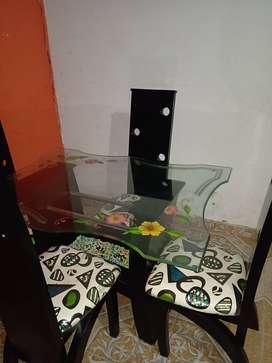Comedor negro 4 puestos con vidrio templado