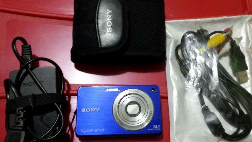 Vendo Camara Sony 0