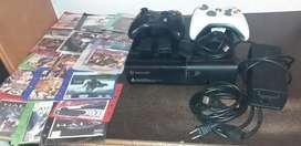 Xbox 360 excelentes condiciones más 2 controles y 24 juegos