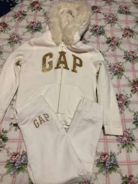 Calentador de niña marca gap talla 5
