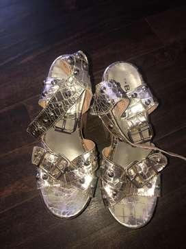 Zapatos mujer dorados