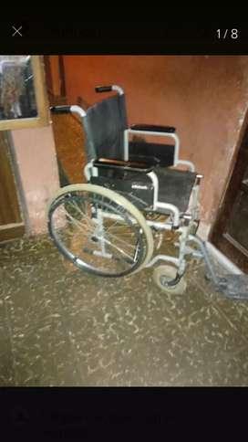 Vendo silla de ruedas con apollabrazos respaldar freno y respaldar con spollapies