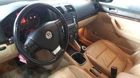 Volkswagen Vento Luxury 2.5 - Full - Tapizado de cuero - Asientos Calefaccionados - techo corredizo año 2009