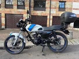 Moto AKT NKD 125, poco uso