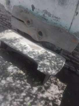 Mesa estilo rústica con bancos, juego o individual