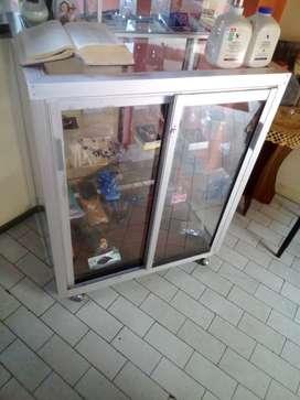 Vitrina con puerta deslizante