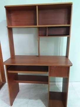 Mueble USADO para computador