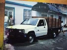 Transporte para recoger  escombros  mudanzas peaueñas cualquier mercancia que desee mover