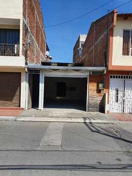 ALQUILO LOCAL COMERCIAL A 3 CUADRAS DEL CENTRO