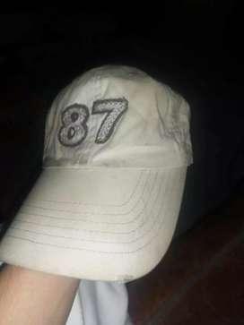 Vendo gorras de segunda estado es 10/10 originales