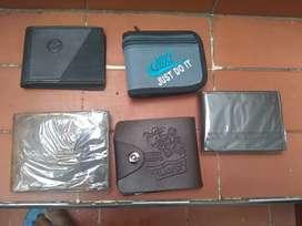 Liquidación de bolsos y billeteras