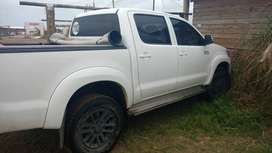 Vende Toyota Hilux SRV full cuero e4