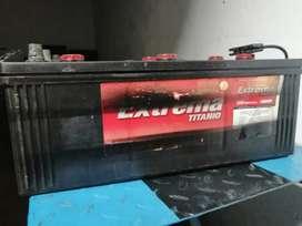 2 Baterías de segunda mano 8D para volquetas