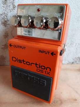 Pedal para guitarra Boss DS-1X