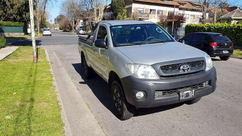 Toyota Hilux cabina simple DX 2.5 4 x 4 0