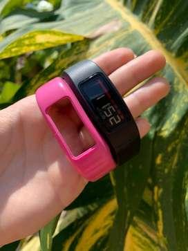 Reloj Garmin VivoFit 2 con banda rosada original garmin