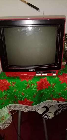 Se vende tv sony antiguo   en buen estado