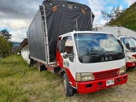 Camion cabina y media modelo 2008