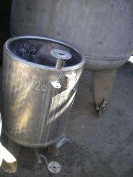 Vendo Tanque de acero inoxidable capacidad 150 litros segunda mano  Villa Riachuelo, Capital Federal