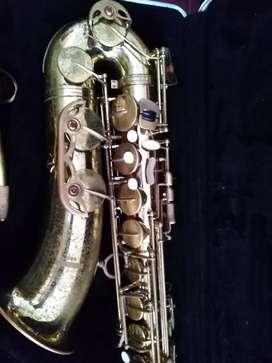 Se vende Saxofon Tenor Marca prestine