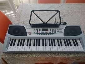 Teclado Organo Musical 54 Teclas Piano Lcd Led Rec Mk2083 + Microfono - impecable estado! como nuevo!