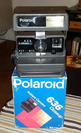 Vendo cámara instantánea polaroid