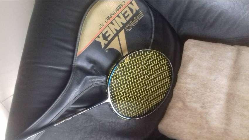Raqueta de badmintong97 0