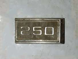 Insignia Chevrolet 250 chevy o similar