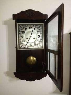 Reloj antiguo Aleman Junghans a péndulo con cuerda de siete días