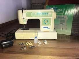 Maquina de coser, Lumina Fashion