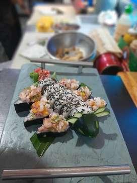 Buscamos auxiliar de sushi o sushero  con experiencia