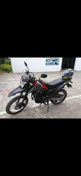 VENDO MOTO AKT TTR200