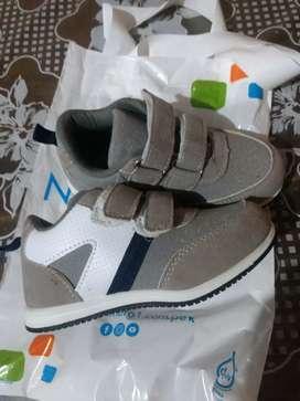 Remato zapatillas para niño