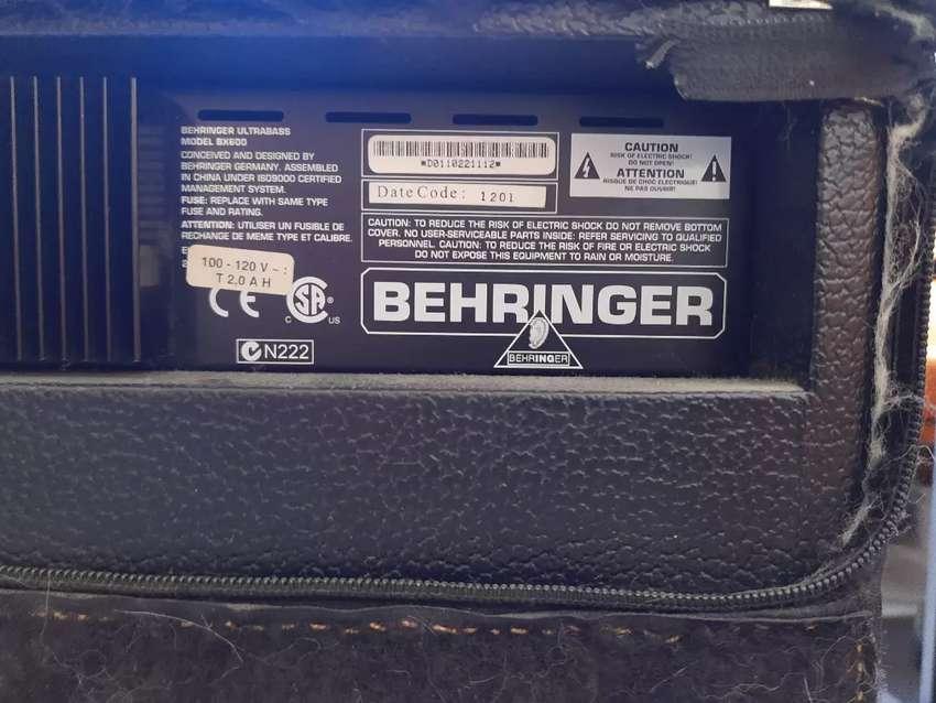 Amplificador de bajo Behringer 60 W 0