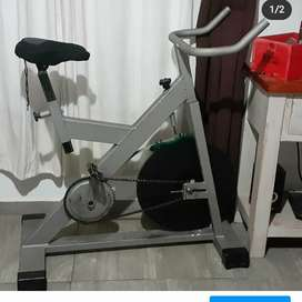 Bicicleta fija spinning