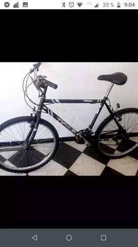 Bicicleta R 26 muy buen estado (tarjeta)