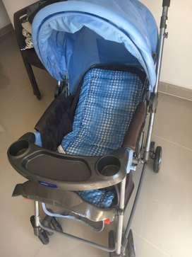Coche - Mecedora para bebé en Excelente estado