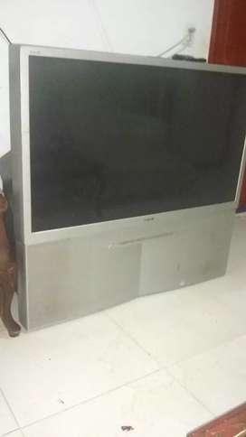 Vendo TV SONY 45,''...de 3 proyectores
