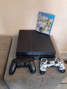 Playstation 4 con 2 joystick