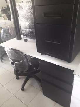 Vendo cv escritorio con silla súper económico